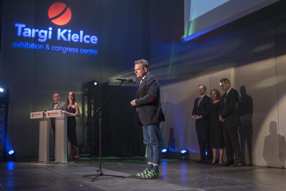 Wojciech Parteka na wreczaniu dyplomow MBA w Kielcach